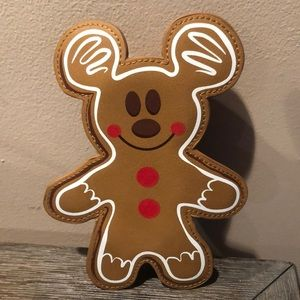 Disney Mickey Mouse gingerbread mini clutch